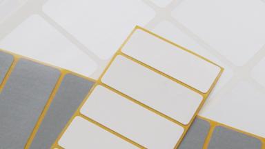Stark haftende Etiketten für Stahloberflächen in rechteckiger Form